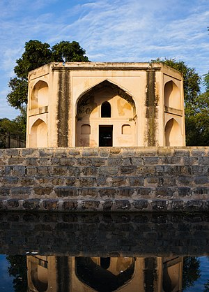 Hasan Abdal - Hasan Abdal's Hakimon ka Maqbara was built in 1589.