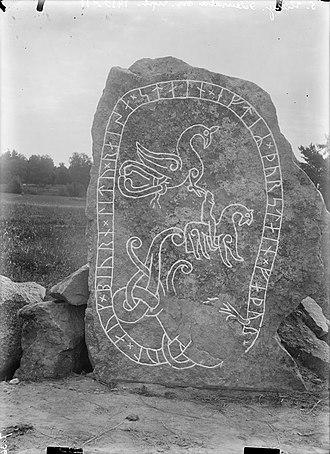 Uppland Runic Inscription 448 - The runestone as it appeared in 1910-11.