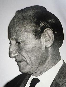 Haroun Tazieff à l'Hôtel de ville de Saint-Denis de La Réunion le 20 octobre 1972.jpg