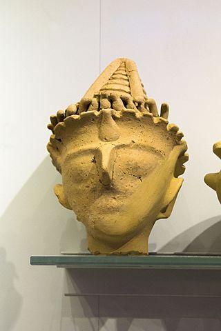 Head from Minoan figurine