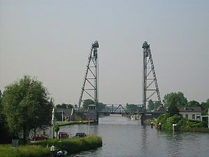Gouwe (river) - Vertical lift bridge over the river Gouwe at Alphen aan den Rijn.