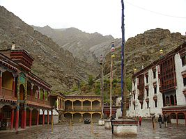 Hemis Gompa, India 2006.jpg