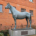 HengstTempelhueter Statue.jpg