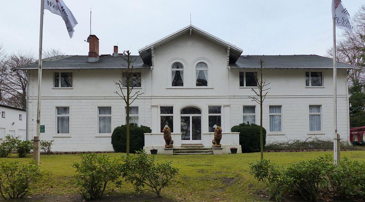 Hotel Restaurant Villa Borghese Avenue Des Thermes  Gr Ef Bf Bdoux Les Bains France
