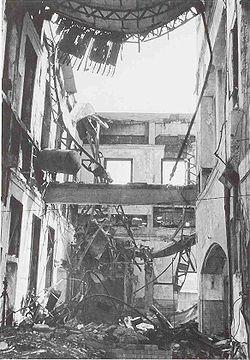 250px-HiroshimaStationOct1945.jpg
