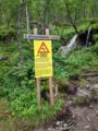 Hivjufossen, warning sign.png
