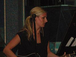 Holly Williams, 2008 Cayamo.jpg