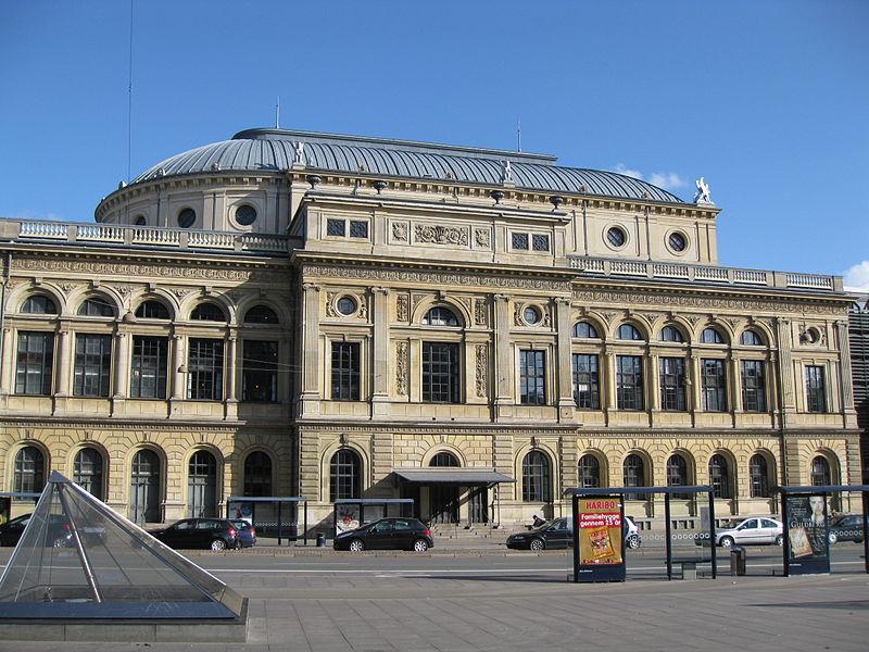 File:Holmens Kanal - Royal Danish Theatre.jpg