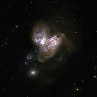 Hubble Interacting Galaxy NGC 3690 (2008-04-24).jpg