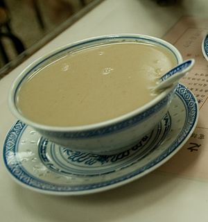 Walnut soup - Image: Hup Tul Woo