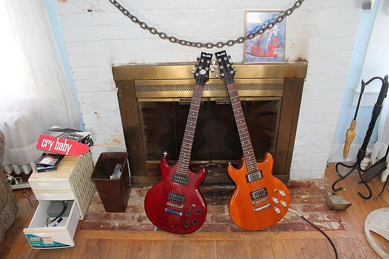 File:Ibanez Gio GAX-70 Guitars in Trans Red and Butterscotch Finishes.jpg