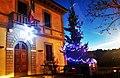 Il municipio addobbato per il Natale 2014.jpg