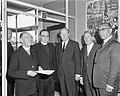 In Theater Du Midi voor de pers en de Amsterdamse geestelijkheid een film vertoo, Bestanddeelnr 915-2485.jpg