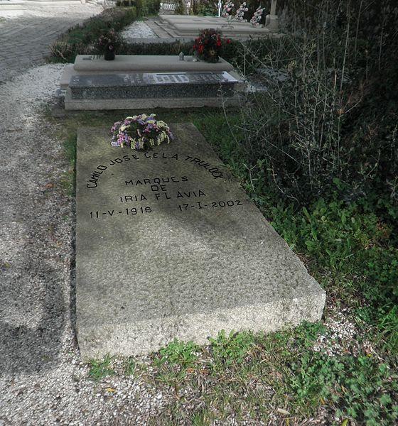 File:Inscrición na lápida de Camilo José Cela Trulock.jpg