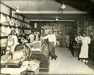 Italian Canadians - A grocery store owned by an Italian family in Little Italy, Montreal, 1910