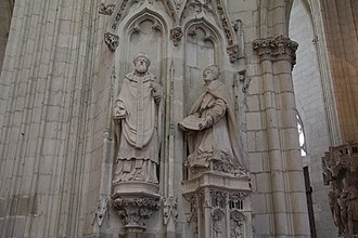 Jean de Malestroit - Contemporary statue of Jean de Malestroit (right)
