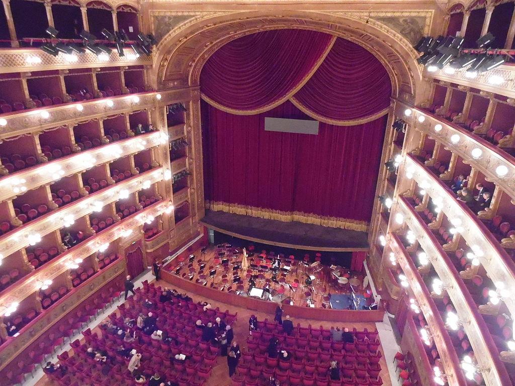 Intérieur de l'opéra Teatro Massimo à Palerme. Photo de Muesse
