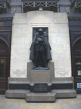 Great Western Railway War Memorial - Image: Jagger GWR memorial 1