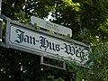 Jan-Hus-Weg apel.JPG