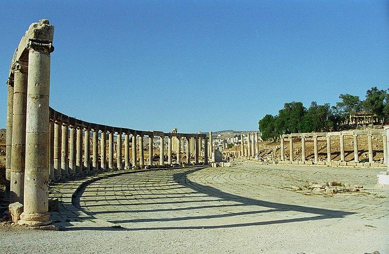 المملكة الاردنية الهاشمية جرش 800px-Jerash15-Forum