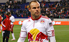 Lindpere met New York Red Bulls in 2011.