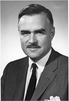 John Robarts, Premier de Ontario.jpg