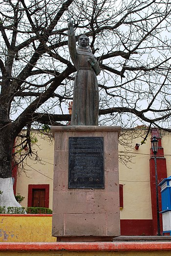 English: Statue of Junipero de Serra in the Fr...