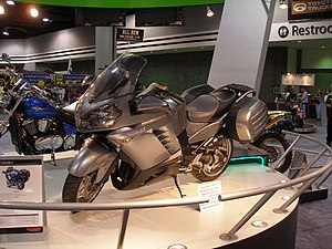 Kawasaki 1400GTR grey leftside.jpg