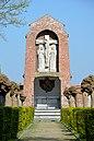 Kerkhof van de Zusters Apostolinnen van de Heilige Jozef van Wetteren, vooraanzicht.jpg