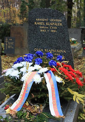 Karel Klapálek - Headstone of Karel Klapálek and Olga Klapálková in Olšany Cemetery in Prague