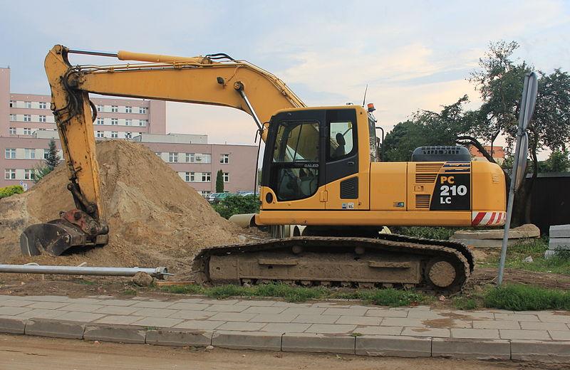 File:Komatsu excavator PC210LC.JPG