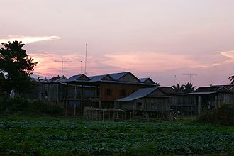 Kratié (town) - Homes on the outskirts of Town