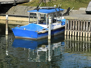 Lützelau 'Wassertaxi' - Rapperswil - HSR - Holzbrücke 2012-03-11 15-56-20 (P7000).JPG