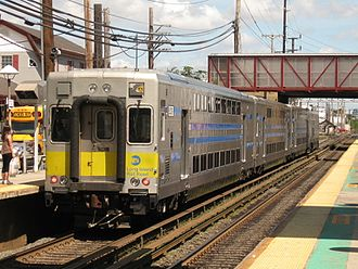 Oyster Bay Branch - Image: LIRR C3 5019 on Train 6506