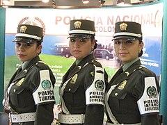 La mujer en la Policía Nacional (5513941244).jpg