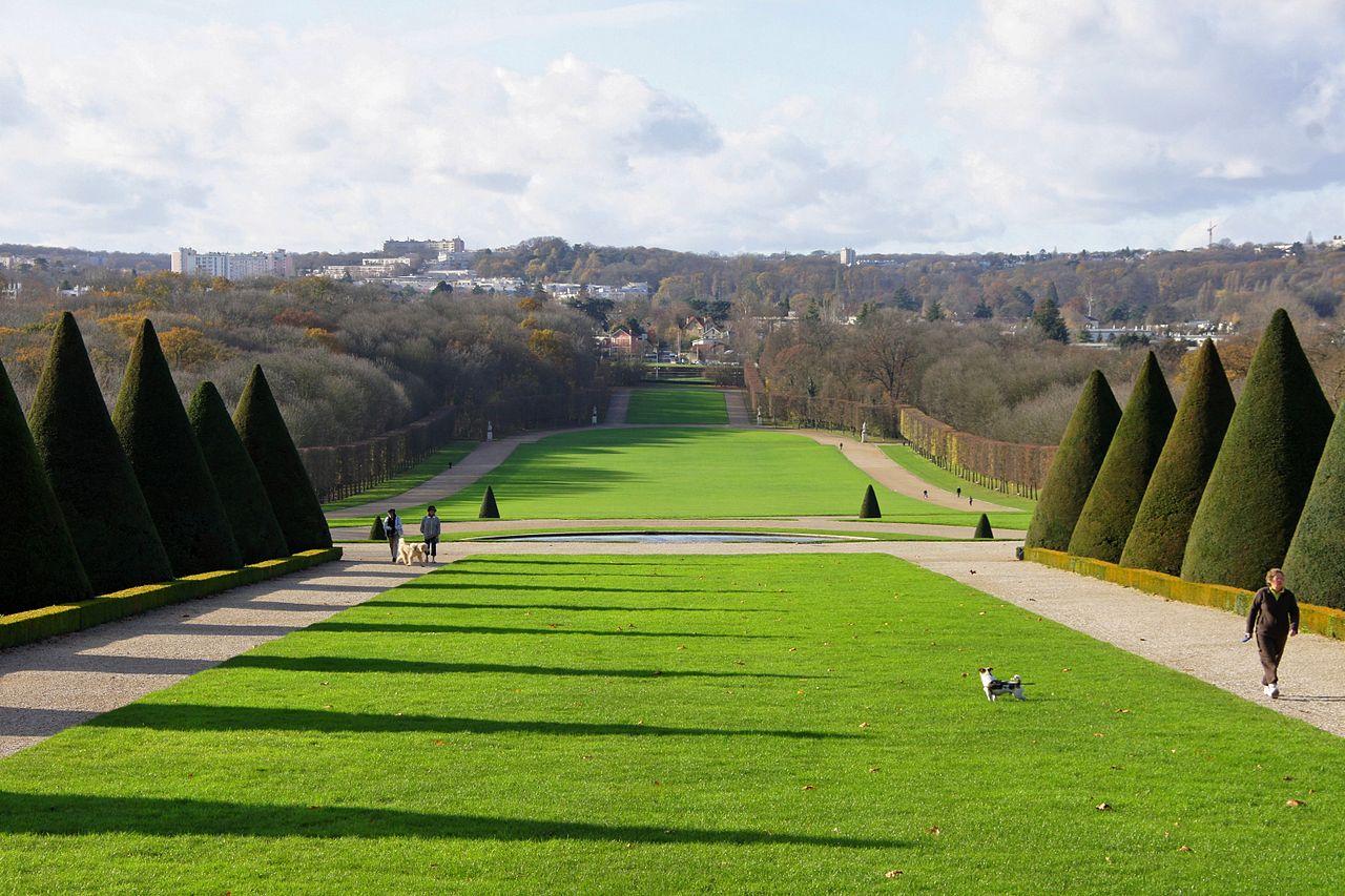 File la pelouse centrale du parc de wikimedia for Pelouse