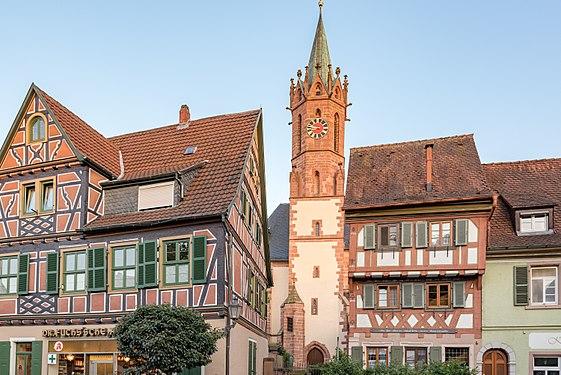 Ladenburg, Marktplatz 7, St. Gallus Kirche und Marktplatz 6 20170601 001.jpg