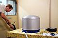 Lampencaroussel voor onderzoek aan boord van ISS - geluidsmeting in labo TUe tijdens controle na montage - foto Bart van Overbeeke 2003.jpg