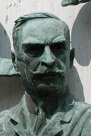 Karl Landsteiner - Landsteiner bronze bust at Warm Springs