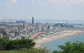 Le Havre: la plage, la ville.