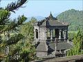 Le haut du pavillon de la Stèle (Tombeau de Khai Dinh) (4378241825).jpg