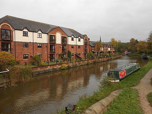 Leeds and Liverpool Canal at Parbold (2)