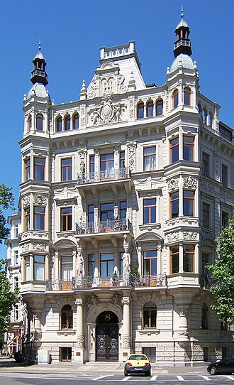 Revivalism (architecture) - Typical historicist house: Gründerzeit building by Arwed Roßbach in Leipzig, Germany (built in 1892)