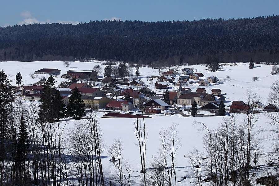 Vue du village des Pontets (Doubs)