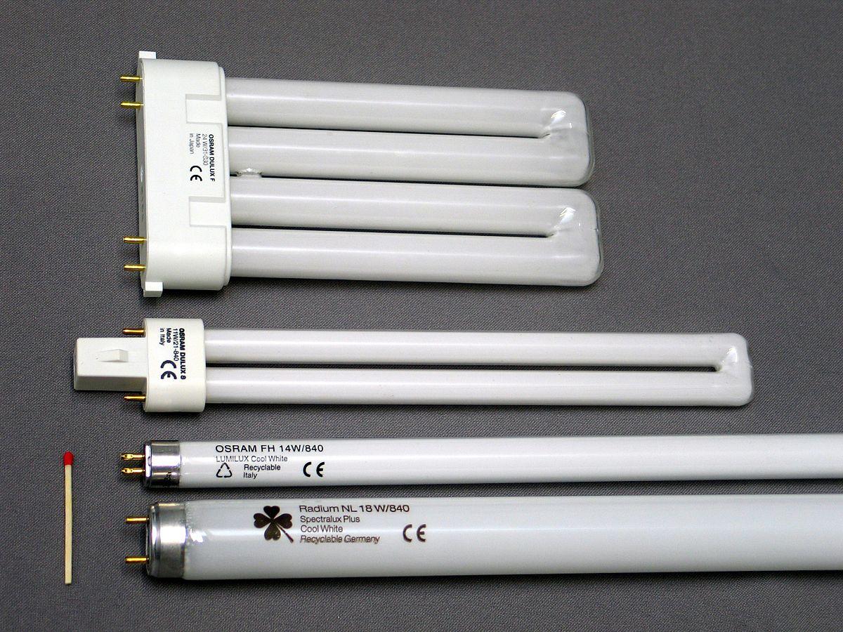 Лампа дневного света потребляет