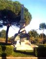 Locri - monumento ai 5 martiri.png