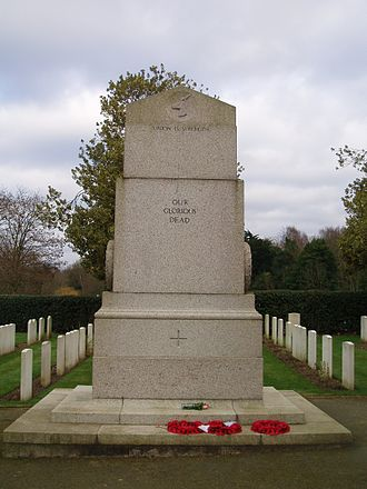 Richmond Cemetery - Lutyens' South African Memorial among the war graves