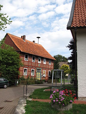 Sibbesse - Main Street and former school in Möllensen.