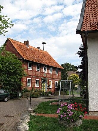 Sibbesse - Main Street and former school in Möllensen.