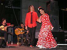 Traje de flamenca - Wikipedia